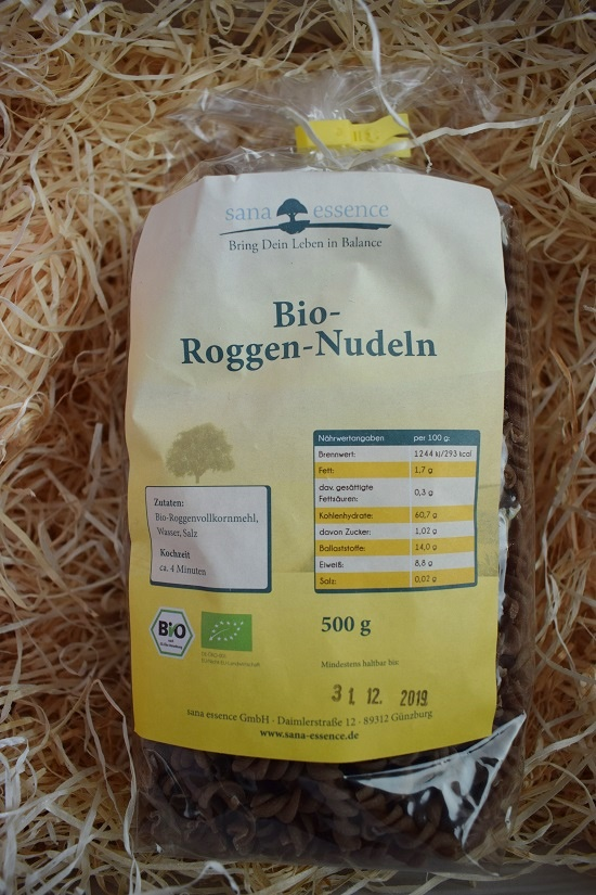 Brandnooz Genussbox September 2017 Sana Essence Roggen Nudeln Probenqueen