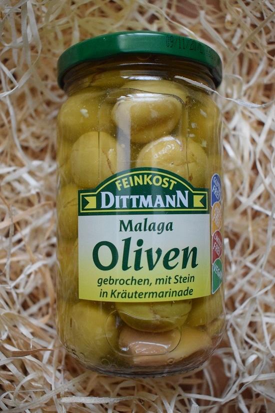 Brandnooz Genussbox Dezember Dittmann Malaga Oliven Probenqueen