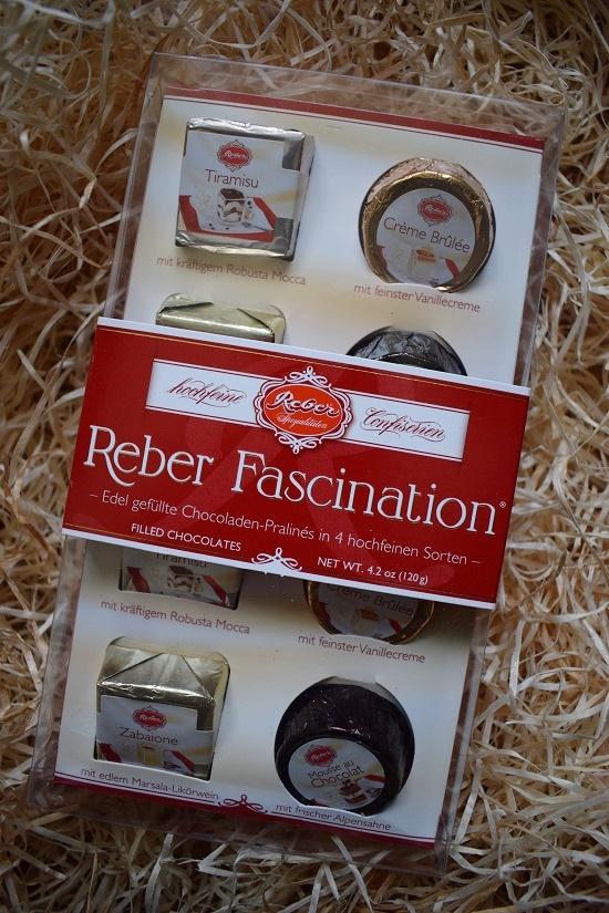Brandnooz Box Dezember Reber Fascination Pralinen Probenqueen