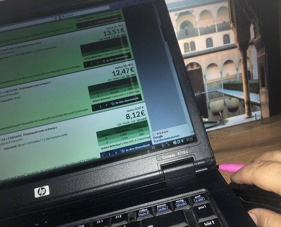 Tonerpartner Preisvergleich Patronen Bildschirmausschnitt am Laptop