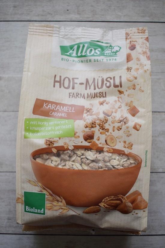 Brandnooz Box Mai 2018 Tüte Allo Hof-Müsli Karamell www.probenqueen.de
