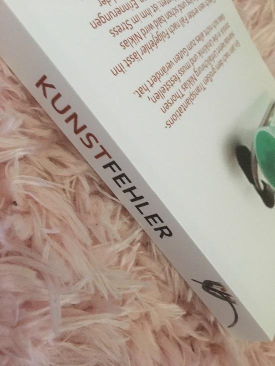 """Kunstfehler Taschenbuch Buchrücken mit Schriftzug """"Kunstfehler"""" www.probenqueen.de"""