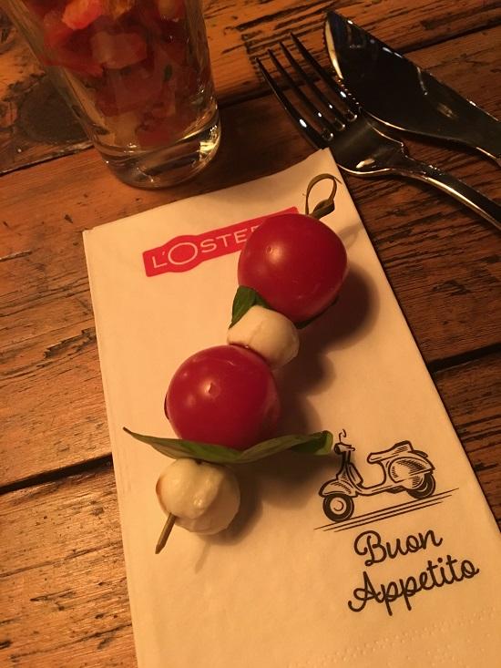 Losteria Kennedyplatz Tomate-Mozarella-Basilikum-Stick www.probenqueen.de